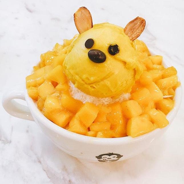 Cute mango Korean bingsu.
