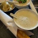 豆浆油条。#tingzieeats #burpple #tingzietravels #tingzietaiwan #tingzietaipei #🇹🇼