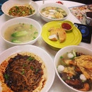 #igsg #instamag #instagram #yong tau hau #oyster soup #yummy #1st time #late breakfast #fried fish cake