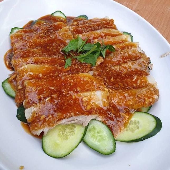 Sliced pork with garlic paste.
