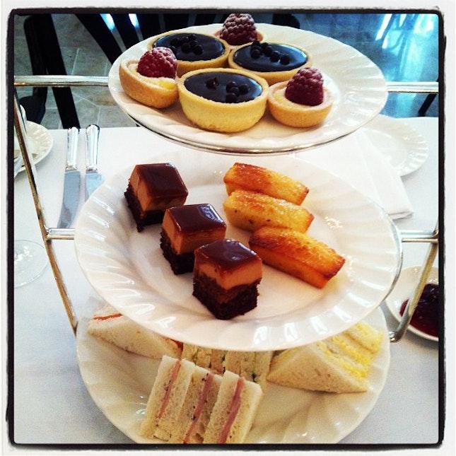 High Tea at Raffles Hotel - food is the main part of my  #singapore bucket list #Burpple