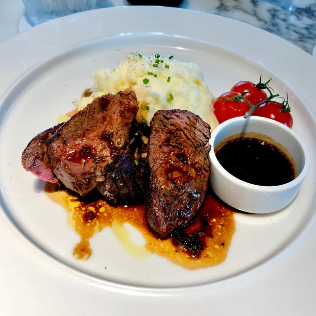 Steak With Mash And Porcini Dripping