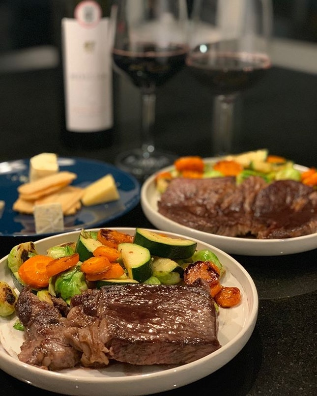 Gonna reunite with @gnorijul soon so #tb to our SAH date with a wagyu steak and red wine sauce, sautéed zucchini and Brussels sprouts and roasted honey glazed carrots.