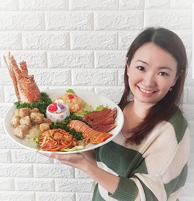 Although Christmas is not yet over, it is already time to start planning for your Chinese New year gatherings as the popular places are very popular and quickly snapped up.