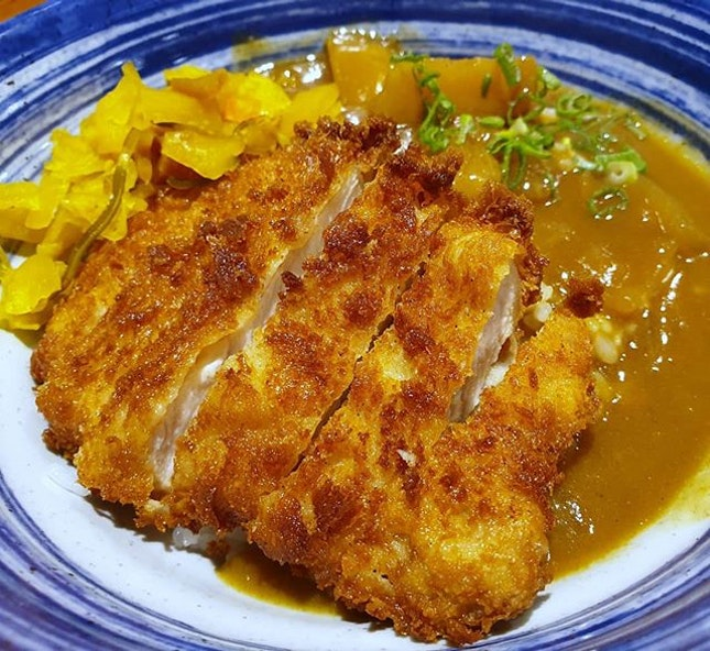 Katsudon (カツ丼) is one of my favourite Japanese food.