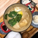 Salmon Shio Cha-nabe - the salmon was pretty overcooked though :/ stick to the desserts here 🍵🍦 #poomsandpoms #foodies #sgfood #sgfoodies #sgeats #sgfoodporn #singaporefood #sgfoodtrend #eatmoresg #eatoutsg #foodinsing #yummyinmytummy #fatdieme #sgcafe #sgcafefood #sgcafehopping #stfoodtrending #8dayseat #burpple #chanabe #kagurazakasaryo #vivocity