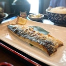 Grilled saba - tasty with a crisp and salty skin :) #poomsandpoms #foodies #sgfood #sgfoodies #sgeats #sgfoodporn #singaporefood #sgfoodtrend #eatmoresg #eatoutsg #foodinsing #yummyinmytummy #fatdieme #sgdrinks #sgbars #bars #stfoodtrending #8dayseat #burpple #saba #izakaya #hibikisakebaranddine #plqmall #payalebarquarter #payalebar