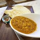 Chilli crab filling with warm flour tacos 😋  #poomsandpoms #foodies #sgfood #sgfoodies #sgeats #sgfoodporn #singaporefood #sgfoodtrend #eatmoresg #eatoutsg #foodinsing #yummyinmytummy #fatdieme #stfoodtrending #8dayseat #burpple #chillicrab #tacos #lobsterandicecream #tanjongpagar