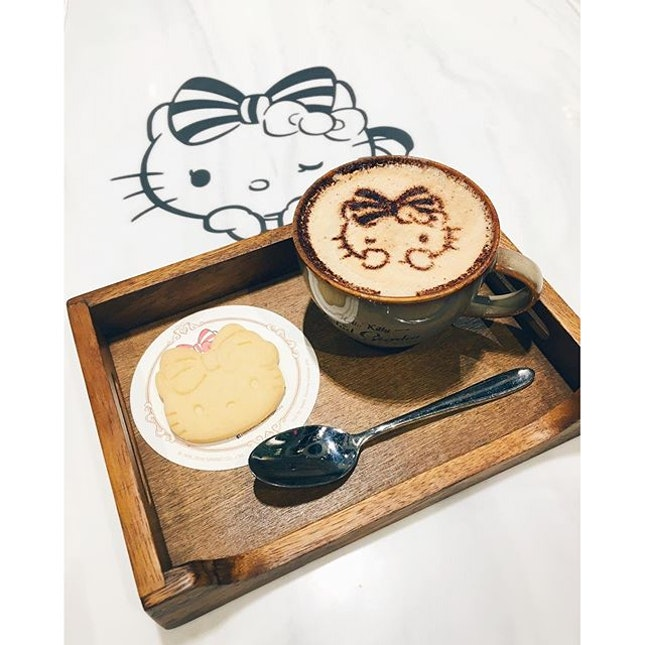 Starting the day with a cuppa kitty latte ☕️ #hellokittycafesg