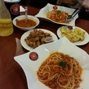 spicy Chicken Pasta, Beef Bolognese,  Minestrone, Honey Lemon Jello, Fried Chicken, Garlic Bread.