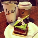 Tea time with @choenhoe ❤🍴☕🍰 #teatime #macha #hot #chocolate #Aulait #love #instacouple #dessert #cake #special #smooth