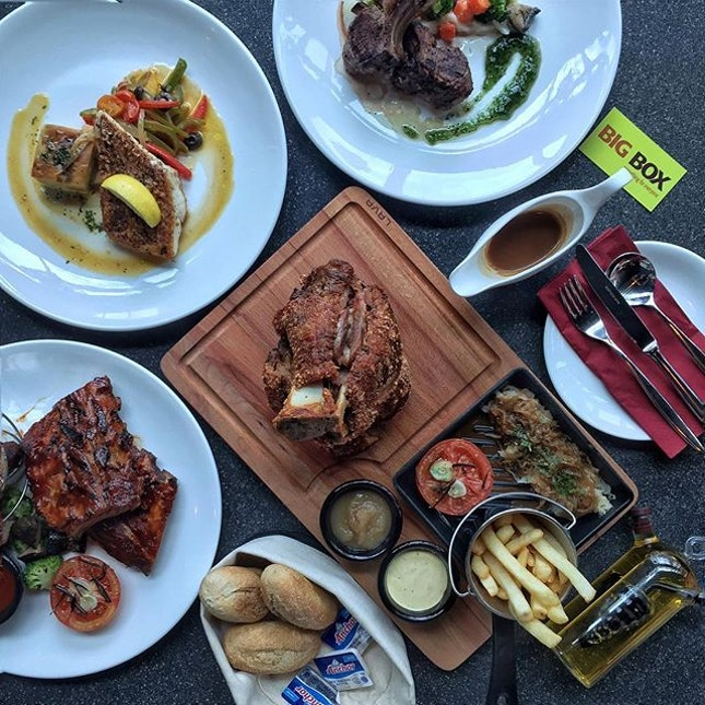 With awesome set lunches from $15, 30% off Ala Carte dishes, and not to mention ALL DAY LONG 1-for-1 Draught Beers, Twenty 15 @ Big Box really knows how to offer a good deal with their selections of German influenced pub grub.