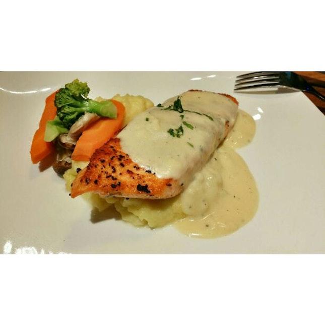 Salmon With Mash Potatoes