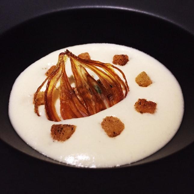 Oignon doux des Cevennes (a starter choice in the dinner set menu)