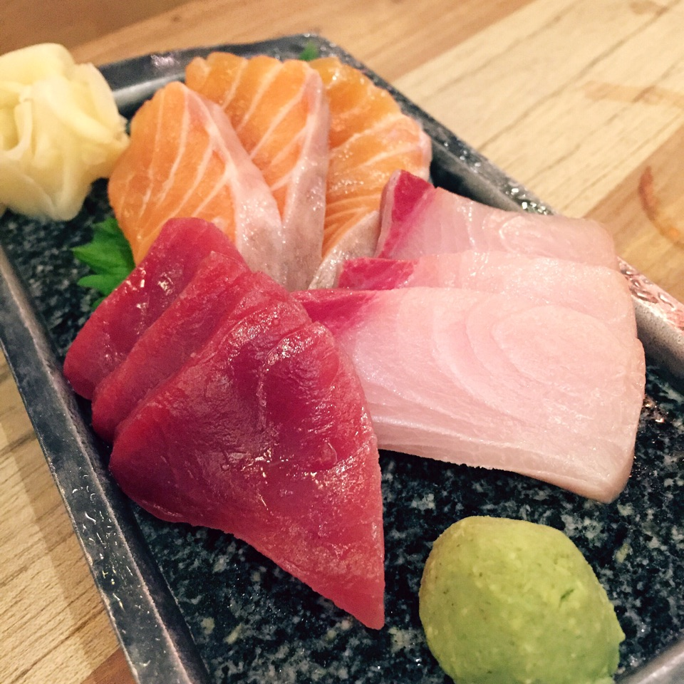 Sashimi Moriawase (3 / 5 kinds of fish: $28++ / $38++)