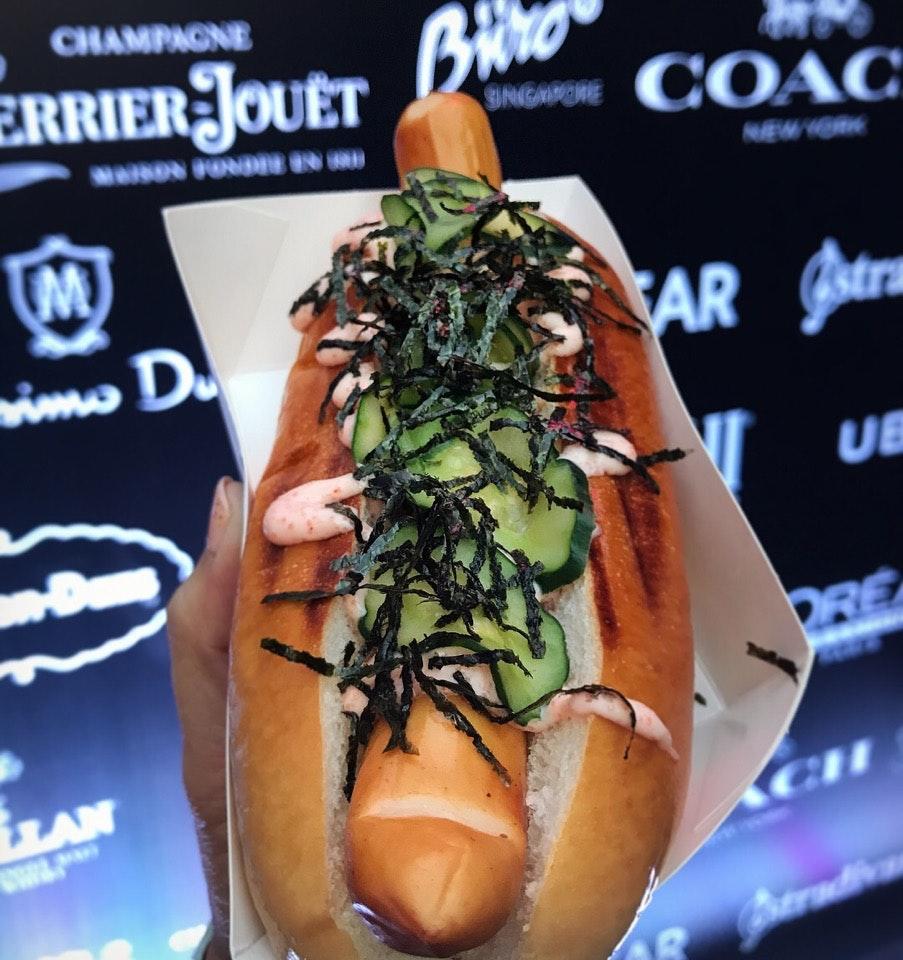 Food Truck Hotdog ($8)