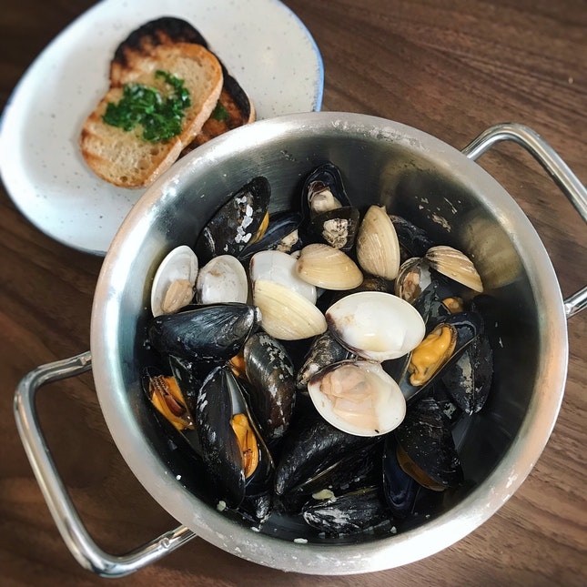Mussels & Clams ($25++)
