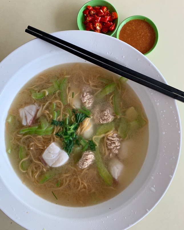 "Stall 15: ""Yuh Mei Mei Shi"" Serves Fish Soup That Is On Another Level"