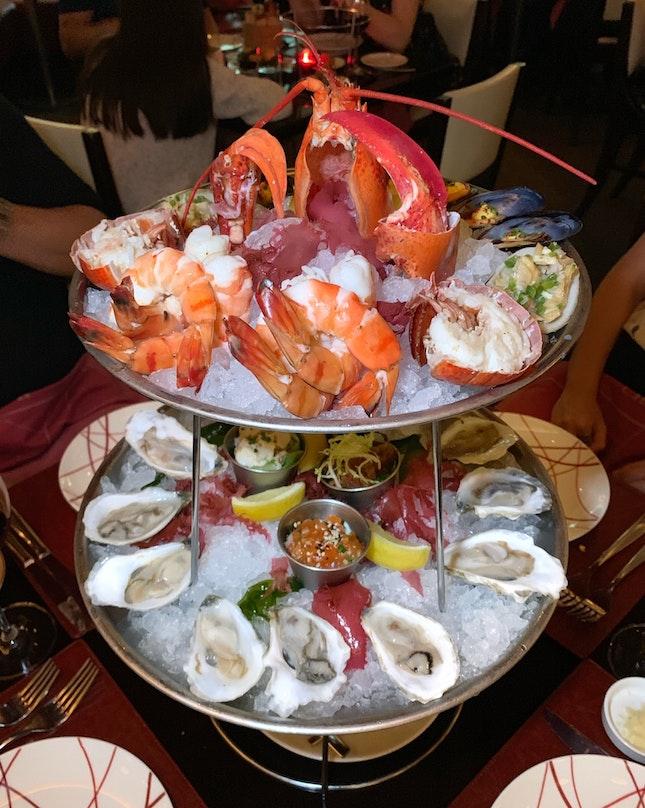 Signature Seafood Platter (Grande Size: $175++)