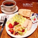 and so i ended the prelims yesterday and headed to #cbtl for #dinner and i had #breakfast for dinner lol cool huh?