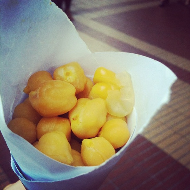 kacang puteh along the street.