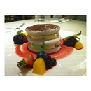 chocolate pavlova 🙈 {#dessert | #klcc}
