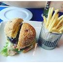 Beef Burger on the 🛳 #food #foods #foodie #foodsg #fatdieme #foodgasm #foodootd #foodloveme #foodporn #foodforfoodies #foodphotography #foodlovesmetoo #starcruisegemini #sgfoodies #sgigfoodies  #makanhunt #makan #openrice #openricesg #burpple #8dayseatout  #nomnomnom  #foodspotting #foodlove #foodnetwork #westernfood #food52 #foodaddict #beefburger #feedfeed