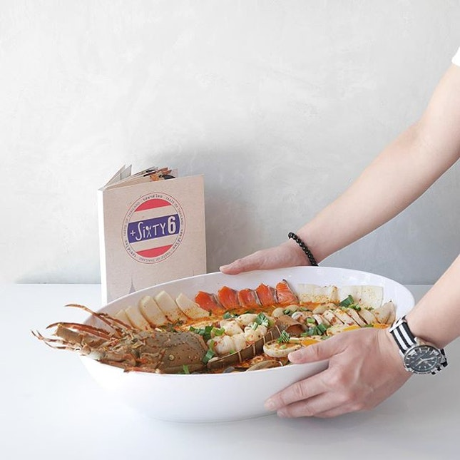 Today @plussixty6 with be launching their FIRST & ONLY in Singapore Jumbo Lobster Tom Yum Soup and this can easily feed 4 to 5 pax!
