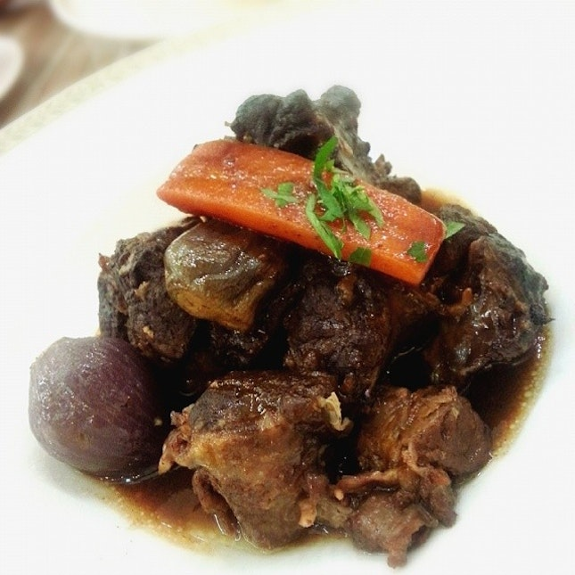 And soooo, we had Oxtail de Bourguignon our dinner date at Poulet!