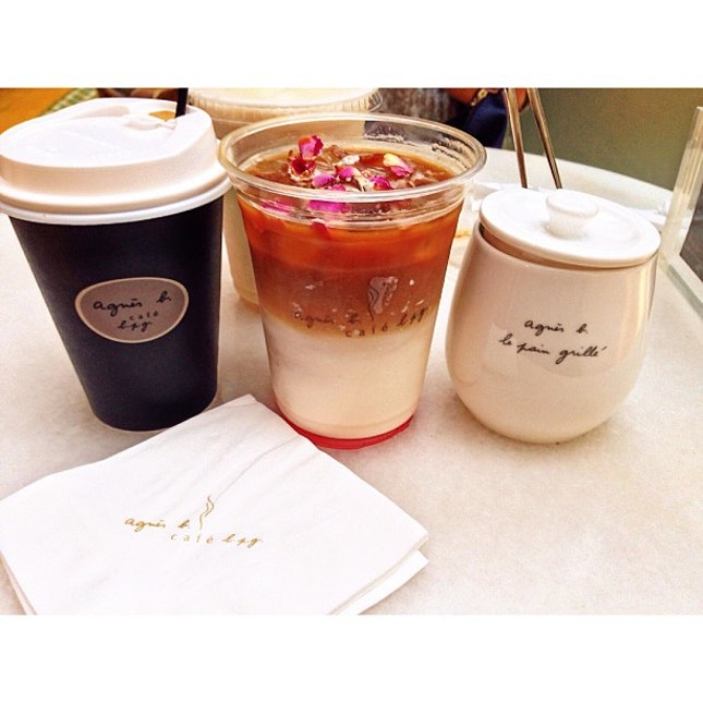 Agnès b cafe LPG for afternoon tea with 姑姑 and mummy ☺️ #afternoon #tea #coffee #cafe #hongkong