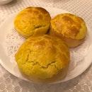 baked bouluo char siu bao