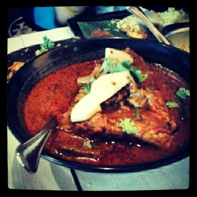 Fish head curry for dinner woooooo!!!!