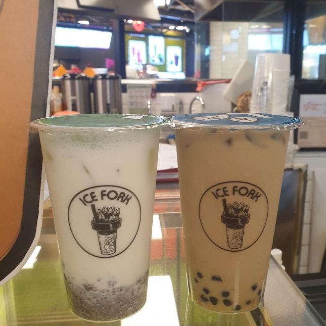Oreo Milk ($4) & Gula Melaka Milk Tea with Pearls ($4.50)