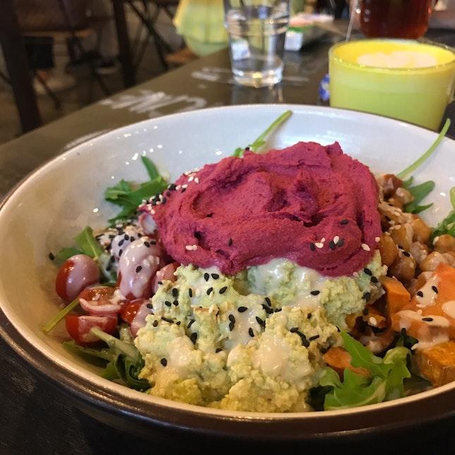 For a Super Tasty Vegan Quinoa Bowl