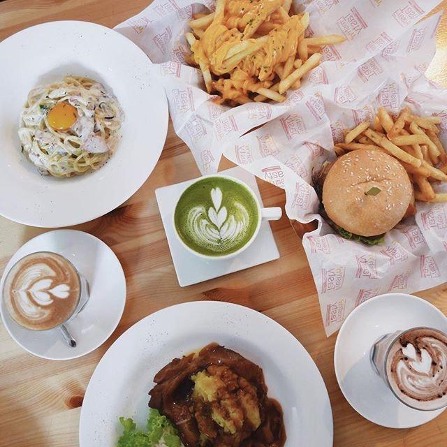 Ah B Cafe