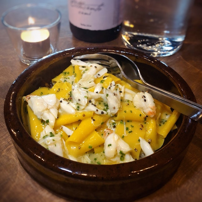 For Good Vibes, Natural Wines & Tasty Plates