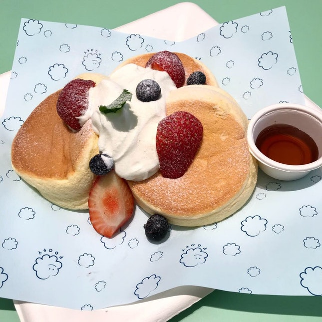 For Ultra Jiggly Souffle Pancakes