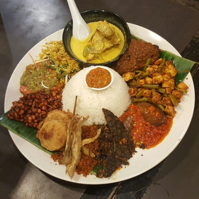 For a Nasi Ambeng Feast