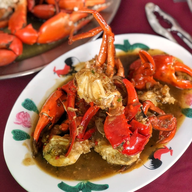 For a Get-Your-Hands-Dirty Crab Dinner