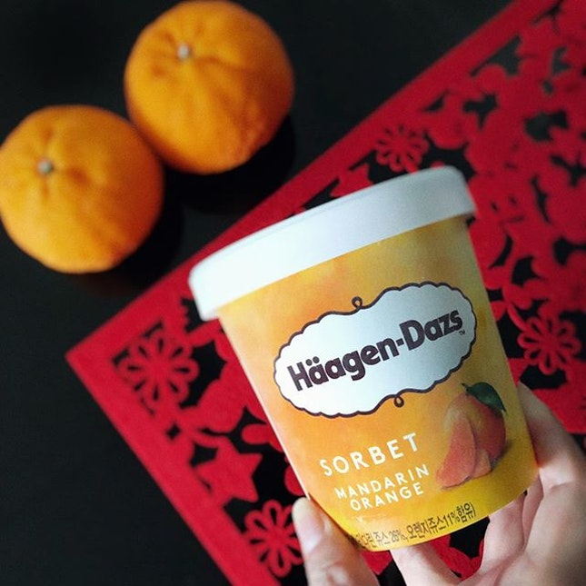 You know CNY is near when you start seeing mandarin orange items on the shelves • 🆕 from @haagendazssg - Mandarin Orange Sorbet Another item to add to your CNY shopping list 😄 .