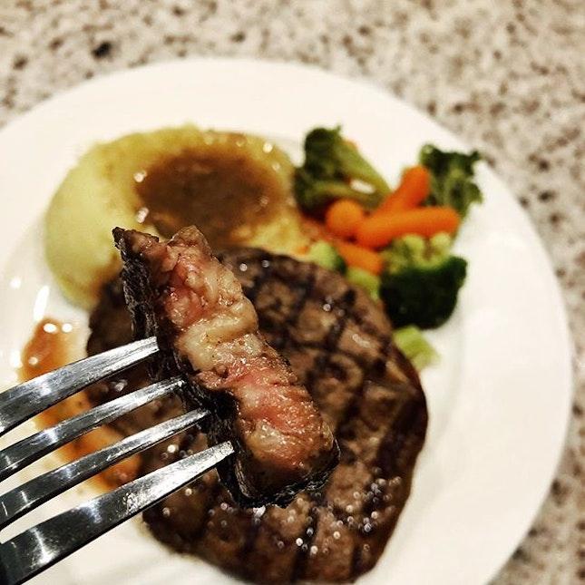 Tender medium well Ribeye steak @carvers_x .