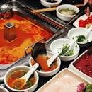 Steamboat time with my favourite Tomato soup base @haidilao_singapore .