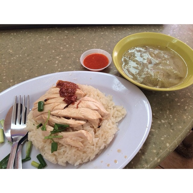 Hawker Weekdays Week 2 4th day: Roasted Chicken Rice from Xiang Ji Chicken Rice!
