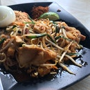 Phad Thai (Pork) ($6-student price)