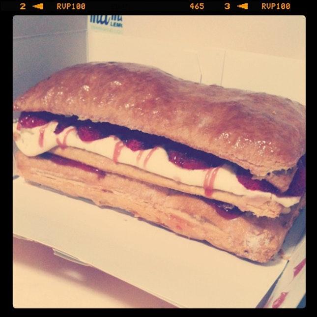 #strawberry #strudel #foodporn 