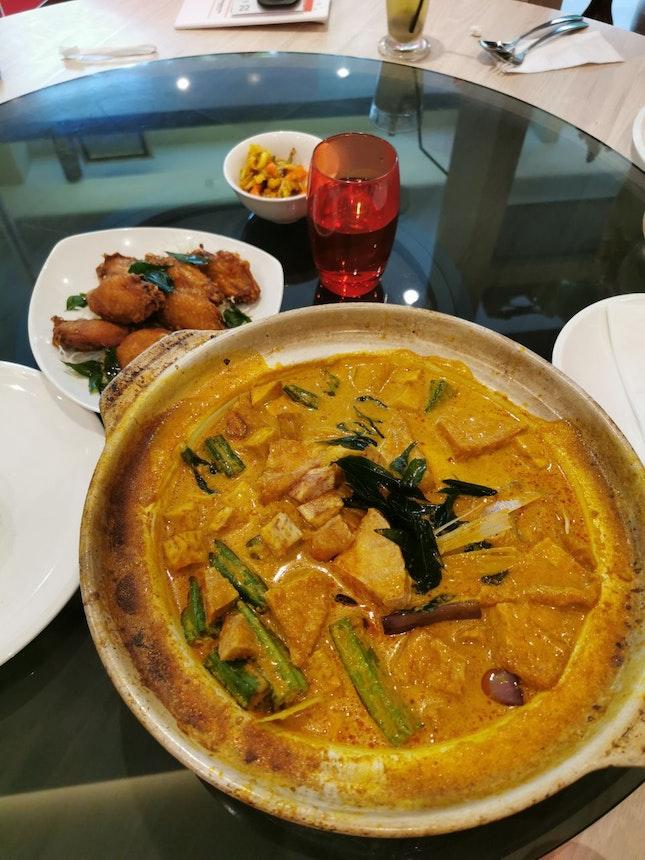 Claypot Fish Head Curry