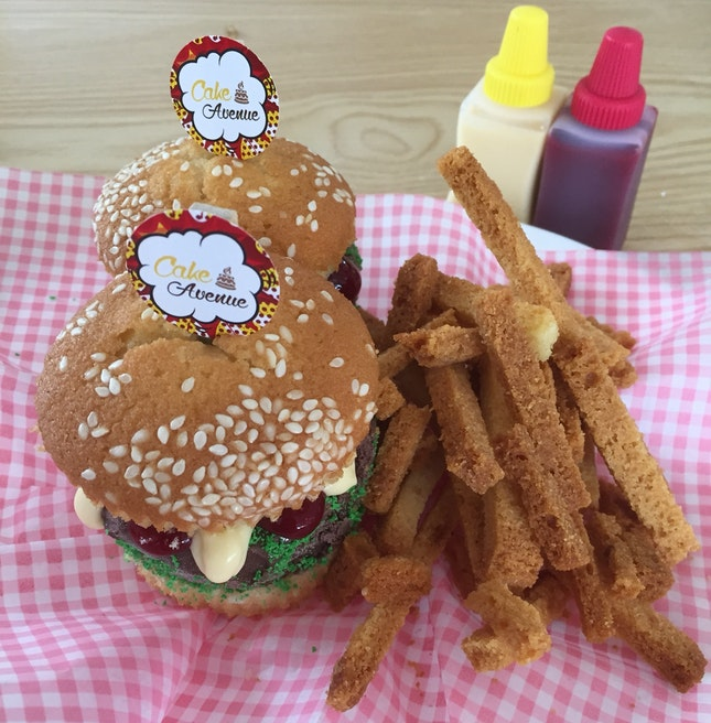 Diner Sliders And Fries (For Limited Time Period Only)