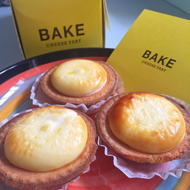 Yep so I finally got my hands on these BAKE Cheese Tarts from ION Orchard thanks to the #laborme app!