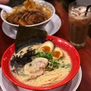 Tonkotsu ramen is my favourite and their premium milk tea!