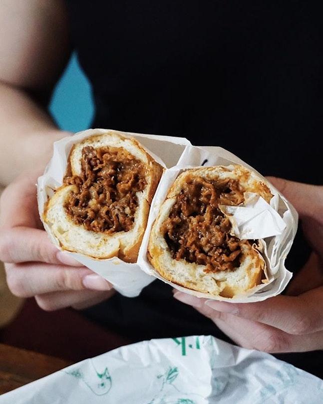 cheesesteak is so far my favourite at @parkbenchdeli 😍